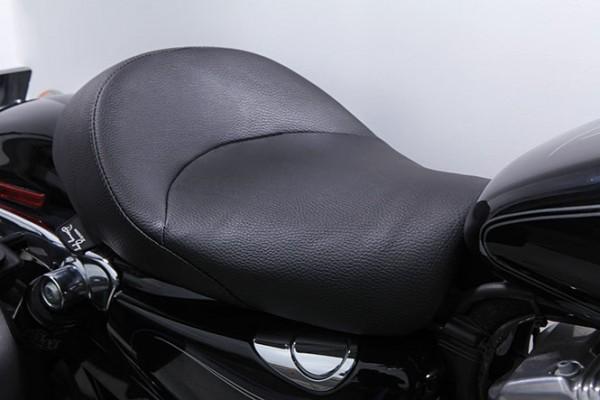 Danny Gray IST Bigist Solo Seat for Sportster models, Vinyl