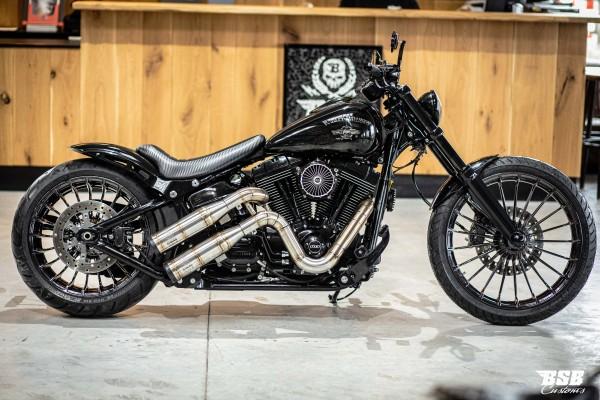 2014 Harley Davidson BREAKOUT Sonderumbau mit edlen Teilen und Lackierung + Garantie
