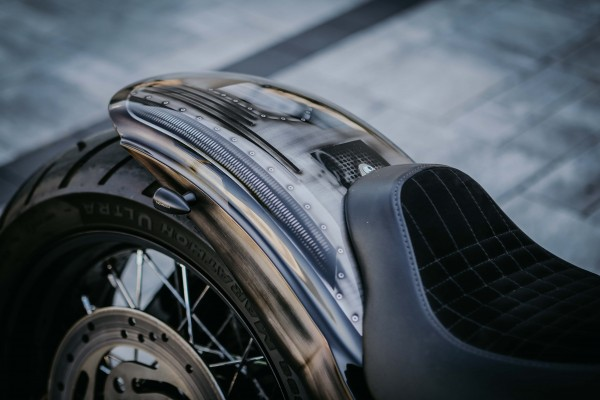2000-2005 Stahl Heckfender mit Gutachten für 180 Tyre Softail Modelle (geschlossen)