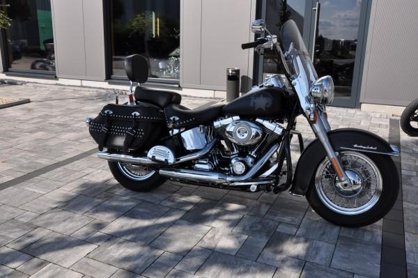 2011 Harley Davidson FLSTC Heritage Softail mit originlane 1647 km + Garantie